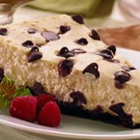 Chocolate Chip Cheesecake             Looks delicious!!!!!!!!