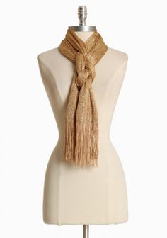 I need to figure out how to tie a scarf like this.