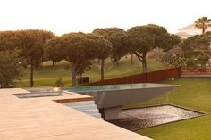 La Case Vale Do Lobo is villa located in southern Portugal in Algarve region with a stunning design. Designed by architect Vasco Vieira from Arqui+ Arquitectura Algarve, Architecture Design, Amazing Architecture, Villa, Pool Fountain, Cool Pools, Awesome Pools, Pool Designs, Custom Homes