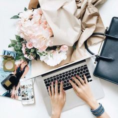 Instagram Blog, Photo Pour Instagram, Shooting Photo Pro, Lady Fitness, Flat Lay Inspiration, Design Inspiration, Facebook Cover Images, Flat Lay Photography, Photography Tips