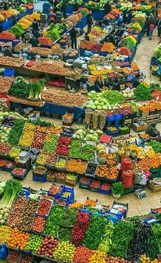 Food Vegetables (A Beautiful Bazar) Fresh Fruits And Vegetables, Fruit And Veg, Veggies, Mercado Madrid, Places Around The World, Around The Worlds, Village Photography, Vegetable Shop, Supermarket Design