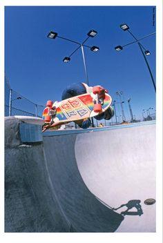 Bulky. Edging. Old School Skateboards, Vintage Skateboards, Cool Skateboards, Skateboard Deck Art, Skateboard Pictures, Skate Photos, Skate And Destroy, Stranger Things Aesthetic, Summer Surf