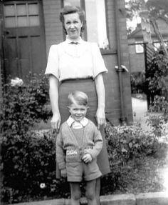 A young David Bowie with his mother Peggy.