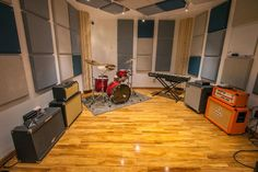Rehearsal room at Replay Music Studios in the West Village, NYC - via SonicScoop.com