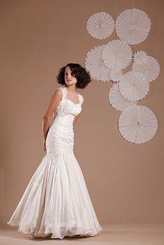 Merész csipke, könnyű fátyol - Delikates Design Wedding Dresses, Design, Fashion, Alon Livne Wedding Dresses, Fashion Styles, Weeding Dresses, Wedding Dress, Wedding Dressses, Fashion Illustrations