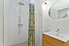 Bolig til salgs Real Estate, Mirror, Bathroom, Furniture, Home Decor, Washroom, Decoration Home, Room Decor, Real Estates