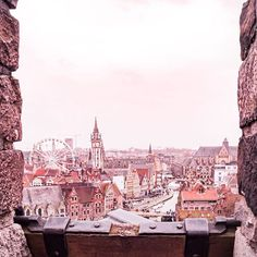 Castle lookout views over pretty little Ghent. Yes this fairytale city even has its own castle! 🏰 . Let's play a little game, the first person to comment needs to guess what I'm spying and also add their own 'I spy' clue, so then the next person can guess the comment before theirs and so on! And I'll try and guess them all! . I spy with my little eye something beginning with 'F'. . . . . . #visitbelgium #belgiumblogger #ilovebelgium #ghent #ghentcity #instaghent #visitghent…