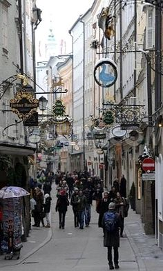 Salzburg's Old Town in Winter, Austria  I want to go back there so bad! I loved Salzburg so much!