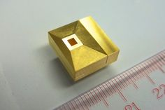Fujitsu has developed a 300GHz receiver that could allow mobile devices to download 4K or 8K high-def video instantly.
