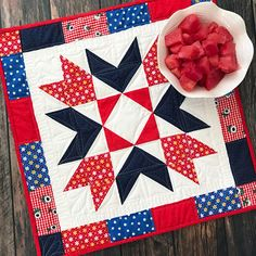 """Sunnyside Star Table Topper"" Free Pattern designed and from by Lindsey Weight from Fort Worth Fabric Studio Table Topper Patterns, Quilted Table Toppers, Table Runner Pattern, Quilted Table Runners, Half Square Triangle Quilts, Square Quilt, Hexagon Quilt, Small Quilts, Mini Quilts"