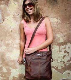 This gorgeous Messenger Handbag is comfortable to carry without compromising style. It's tobacco color gives the Messenger Handbag a versatile edge. Dark Brown Color, How To Make Handbags, Africa Fashion, Online Gifts, Pattern Fashion, Editorial Fashion, Leather Skirt, Stitching, Contrast
