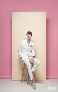 Best Ideas for fashion photography studio ideas backdrops Concept Photography, Photography Poses For Men, Fashion Photography Inspiration, Photoshoot Inspiration, Photography Photos, Studio Portrait Photography, Photography Backdrops, Wedding Photography, Studio Poses