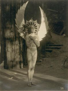 Lost Pictures of Bohemian Grove, Lucifer worship!!