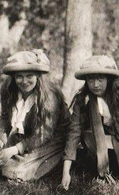 Grand Duchesses Marie and Anastasia