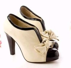 Vintage 1940's Ivory Babydoll Pumps Heels Wedding Shoes 6.5 6 1/2