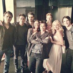 The Vampire Diaires: Behind the Scenes of Season 6 Photoshoot!