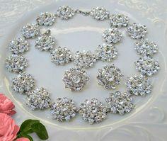 https://www.etsy.com/listing/293916309/bridal-jewelry-set-crystal-necklace?ref=shop_home_active_4&utm_content=buffer36fc4&utm_medium=social&utm_source=pinterest.com&utm_campaign=buffer