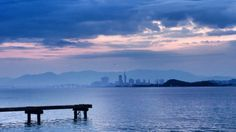 26 Oct. 6:28 雲が広がる博多湾です。 ( Cloudy morning  at Hakata bay in Japan )