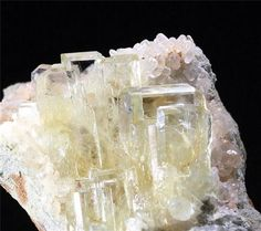e-Rocks Mineral Auctions - Fine Minerals & Mineral Specimens for sale Atoms, Rocks And Minerals, Crystals And Gemstones, Cliff, Fossils, Devon, United Kingdom, England, Nature