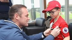 MANCHESTER UNITED SPORT NEWS: FANS HAVE A DREAM DAY AT UNITED