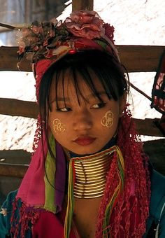 Padaung, Kayan people | Thailand ✖️ART : PADAUNG / KAYAN LAWHI PEOPLE / LONGNECK PEOPLE  / THAILAND  /  BURMA ✖️More Pins Like This One At FOSTERGINGER @ Pinterest✖️