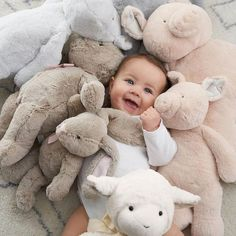 snuggles Cute Little Baby, Baby Kind, Little Babies, Cute Babies, Foto Baby, Cute Baby Pictures, Baby Outfits, Cute Baby Clothes, Pottery Barn Kids