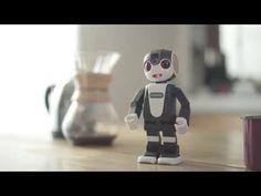 シャープの通話できる2足歩行ロボット「RoBoHoN」の発売日が5月26日に決定 お値段約20万円 - ねとらぼ