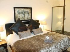 African Footprints Lodge - African Footprints Lodge offers comfortable and stylish accommodation situated in Bloemfontein.  It is close to many shops, restaurants and entertainment facilities.  There are 11 en-suite guest rooms ... #weekendgetaways #bloemfontein #southafrica