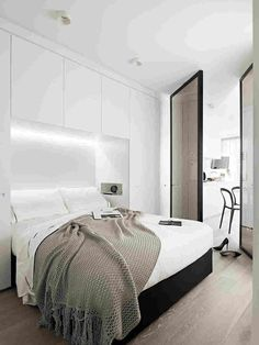 Home Decor – Bedrooms : bedroom storage/ small bedroom -Read More – Home Decor Bedroom, Bedroom Furniture, Master Bedroom, Bedroom Cabinets, Small Apartments, Small Spaces, Bedroom Storage, Beautiful Bedrooms, Apartment Design