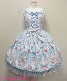 Angelic Pretty Salon de the' Roseジャンパースカート. This is my ultimate dream dress. So perfect for Hime!