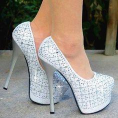 Zapatos de tacón de plataforma color blanco con lentejuelas