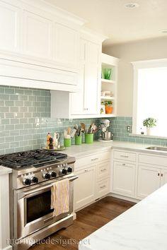 Glass Backsplash Kitchen, Subway Tile Kitchen, White Kitchen Cabinets, Kitchen Paint, Subway Tiles, Backsplash Ideas, Glass Tiles, Walnut Kitchen, Subway Backsplash