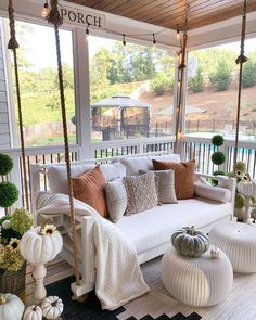 Fall front porch with rope swing with pillows via A great way to decorate your front porch for autumn! More seasonal decor this way. Farmhouse Front Porches, Southern Front Porches, Farmhouse Porch Swings, Farmhouse Decor, Modern Farmhouse Porch, Fresh Farmhouse, Casa Patio, Southern Living Homes, Porch Decorating