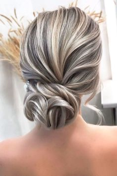 Hairstyles That Match Your Dress Style ❤ #lovehairstyles #hair #hairstyles #haircuts Date Hairstyles, Hairstyles Over 50, Holiday Hairstyles, Bride Hairstyles, Grey Hair Updos, Grey Hair Over 50, Gray Hair Highlights, Mother Of The Bride Hair, Hair Dos