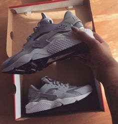 Nike Air Huraches, loving the gray!