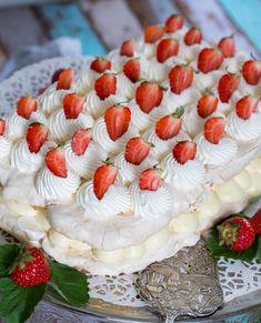 Tårta till midsommar med maräng