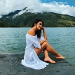 Maria Jose Vargas Maria Jose, Ulzzang, Beach Mat, Kawaii, Photoshoot, Photo And Video, Memes, Videos, Outdoor