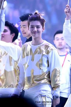 I almost forget how to breathe T.T #EXO #Luhan His smile reminds me of Jang geun suk in You're Beautiful when Taekyung smiled at Go mi nam dont u agree? ^-^