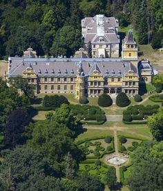 Magyarország legszebb kastélyai a levegőből Royal Residence, Climbing Vines, Fortification, Kirchen, Homeland, Budapest, Wild Flowers, Palace, Beautiful Places