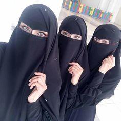 Gifts for men with beards [for pros and beginners] Gifts for men with beards [for pros and beginners] Hijab Niqab, Muslim Hijab, Mode Hijab, Arab Girls Hijab, Muslim Girls, Hijabi Girl, Girl Hijab, Beautiful Hijab Girl, Beautiful Eyes