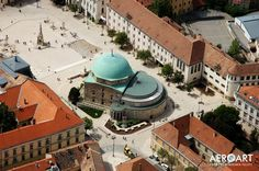 Pécs, Hungary, main square with the mosque Places To Travel, Places To Go, Heart Of Europe, Budapest Hungary, Study Abroad, Mosque, The Good Place, Beautiful Places, Adventure