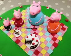 Fondant Peppa Pig and family Fondant Cakes, Peppa Pig, Desserts, Food, Tailgate Desserts, Deserts, Essen, Postres, Meals