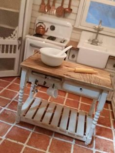 Miniature kitchen central bench in 1/12 scale