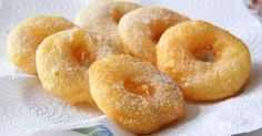 Apple Fritter Rings - No need to go to the donut shop anymore! Whether you enjoy them as dessert or a quick snack on the go, these apple fritter rings are, flat out, ridiculously good! Apple Recipes, Gourmet Recipes, Appetizer Recipes, Holiday Recipes, Dessert Recipes, Appetizers, Snacks To Make, Quick Snacks, Yummy Snacks