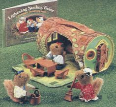 The Woodseys! Jenny and I both had this set! Loved it to death! They squeaked! If I knew I would have a sister-in-law who loved squirrels, I would have kept it...I wonder who gave it to us?