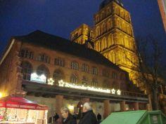 Julmarknad i det gamla Rådhuset och kring Alte Markt. Weihnachtsmarkt am Alte Markt und Rathaus