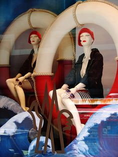 Love the identical mannequins in this Nautical theme window display. Visual Merchandising Displays, Visual Display, Display Design, Store Design, Display Ideas, Diy Design, Fashion Window Display, Store Window Displays, Display Windows