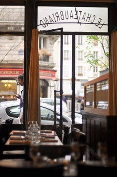 Top Five Places to Eat in Paris from Habitually Chic. (She's living in Paris for the Summer. Cafe Bar, Cafe Restaurant, Restaurants In Paris, Paris 3, Paris France, France Europe, Paris Travel, France Travel, Parisian Cafe