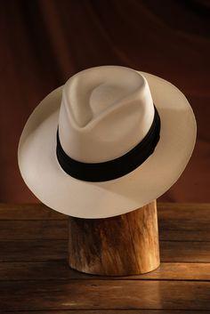 Hats For Men, Hat Men, Caps Hats, Men's Hats, Well Dressed Men, Fedora Hat, British Style, Panama Hat, Cowboy Hats