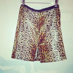 Moschino gently worn #vintage cheetah print skirt.